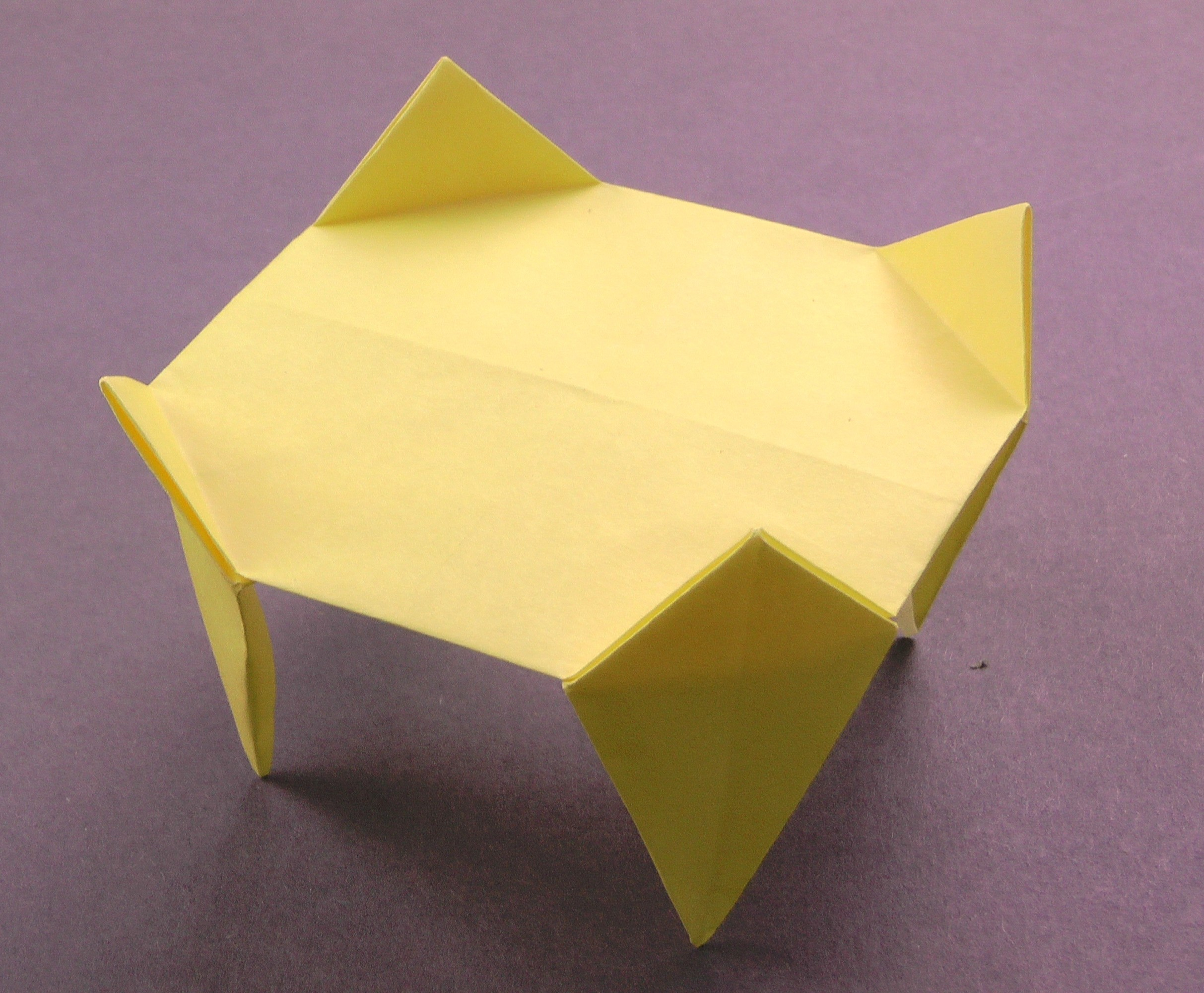 Charmant How To Make An Easy Origami Table